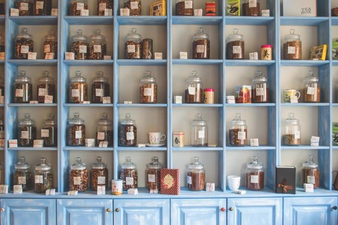 ハーブティーとは?紅茶や漢方との違い、効果・効能や選び方について